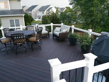 Trex Transcend Deck with Vinyl Rails