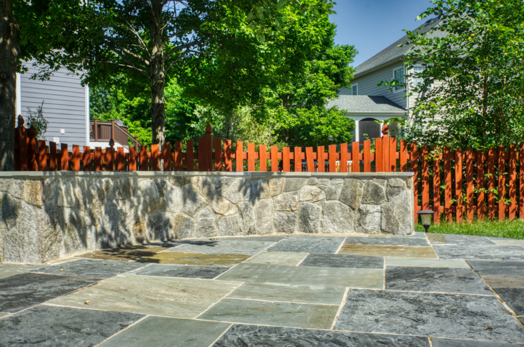 Sitting Wall and Retaining Wall Contractor In Northern Virginia